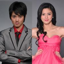 Kim Chiu as Yuan (left) and Jade (right)