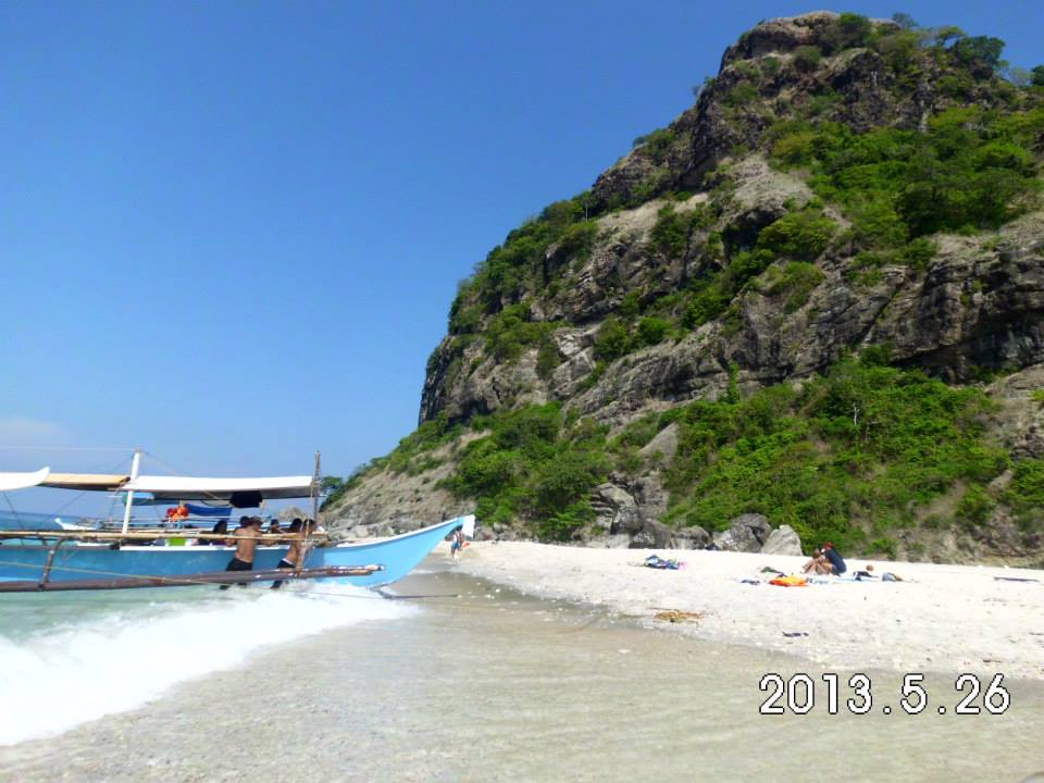 SHEER BEAUTY. Capones Island, 30 minutes away from Anwangin, shows off Mother Nature at her best. (Irish D. Bautista)