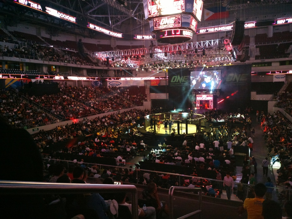 FULL HOUSE. Pinoy fight fans troop by the thousands to show their support for their MMA superstars.