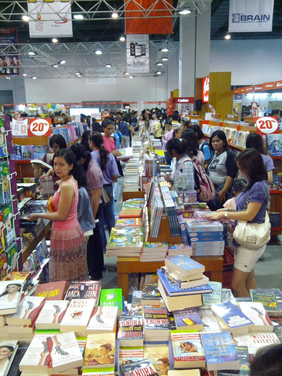 WHERE DO I BEGIN? As a first timer in the book expo, I was excited and overhwhelmed by the sea of people and reading materials available at the event.