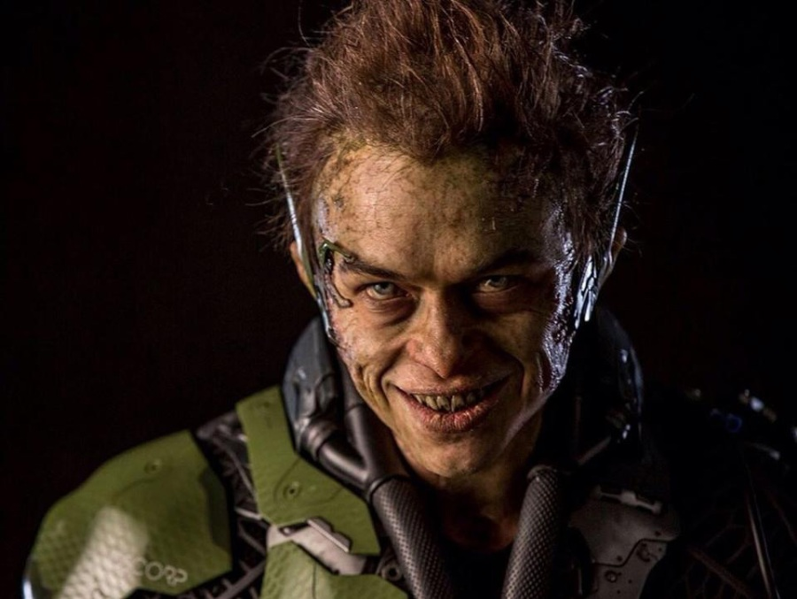 THIS LOOK SAYS IT ALL. Harry Osborn (Deehan) transforms into the Green Goblin.
